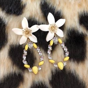 Sugar Fix by BaubleBar Floral Drop Earring